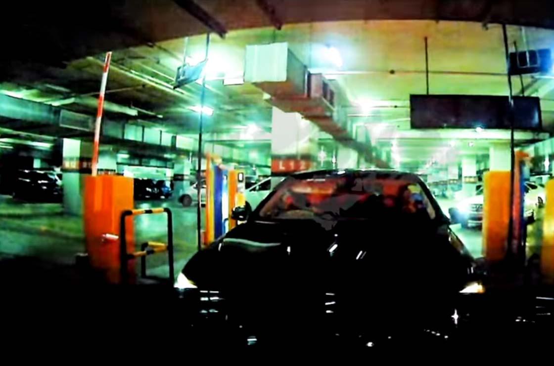 BMW tailgate